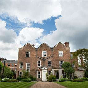 Belgrave Hall & Gardens - See & Do in Leicester