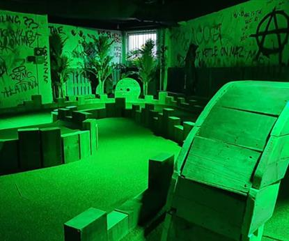 Caddyshackers Crazy Golf Bar