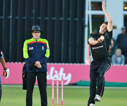 Leicestershire Foxes v Northants Steelbacks T20